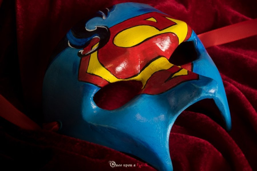 antifaz veneciano superman con escudo