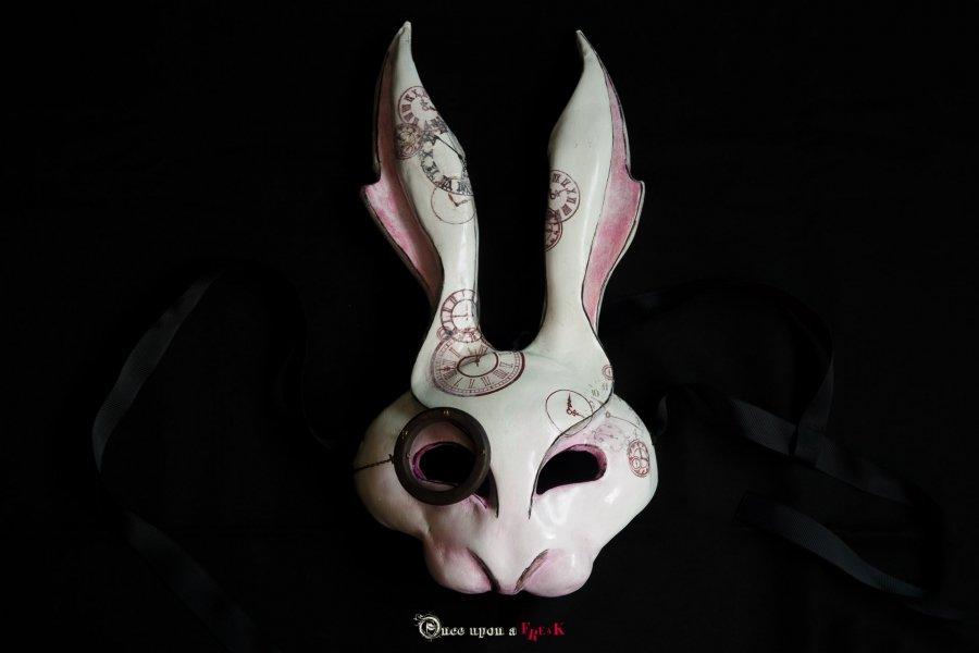 máscara veneciana del conejo blanco de alicia