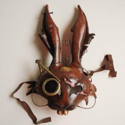 mascara veneciana american mcgees alice liebre de marzo
