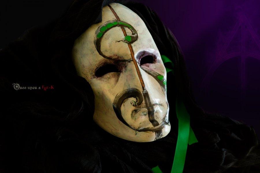 mascara veneciana lord voldemort no nagini y varita