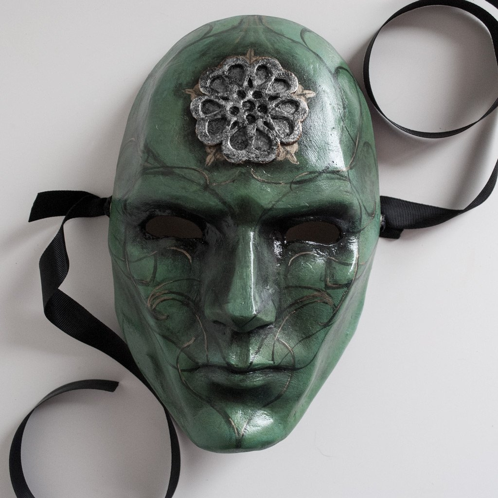 mascara de hombre volto
